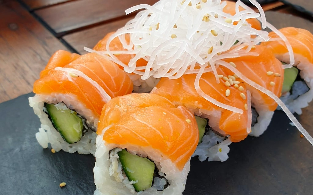 sumi.   trendy Space & Mouth-watering Japanese Food